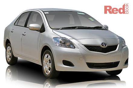 2010 toyota yaris sedan images