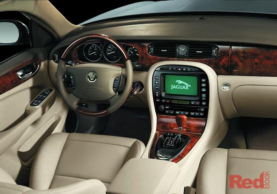 2003 Jaguar XJ8 Auto