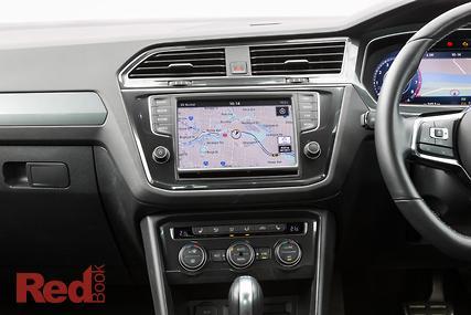 Peugeot 3008 V Volkswagen Tiguan 2017 Comparison Autos Post