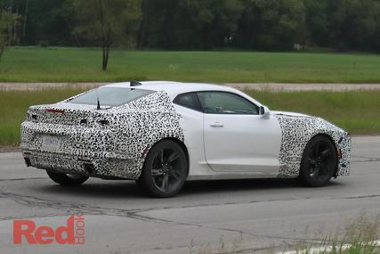 Spy Pics Entire 2019 Chevrolet Camaro Range Caught On Camera Car Reviews News Amp Advice Red