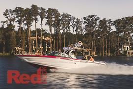 New MasterCraft XT25 is a party wakeboat